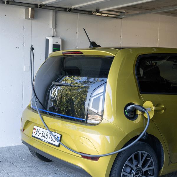Ladekabel Elektroauto Wandhalterung